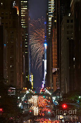 Photograph - Macy's Fireworks 2011 by Tom Callan