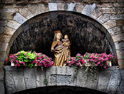 Photograph - Madonna And Child Arch by Joan  Minchak
