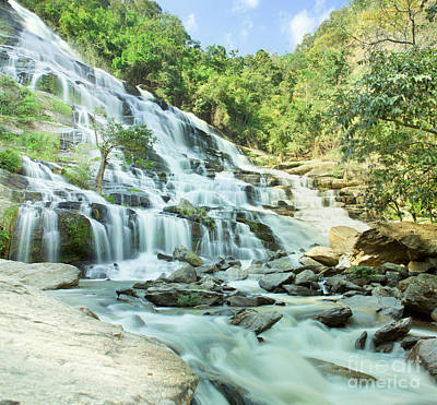 Maeyar Waterfall Original by Anek Suwannaphoom