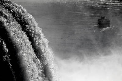 Photograph - Maid Of The Mist 2 by Andrew Fare