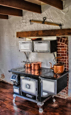 Kitchen Photograph - Majestic Stove No. 1 by Susan Candelario
