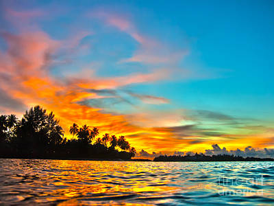 Abstract Shapes Janice Austin Royalty Free Images - Maldives sunset Royalty-Free Image by MotHaiBaPhoto Prints