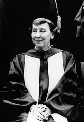 Mamie Eisenhower, Widow Of President Art Print by Everett