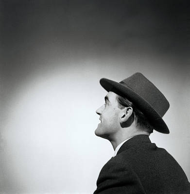 Man Wearing Hat Looking In Distance (b&w) Art Print by Hulton Archive