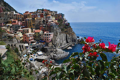 Jeka World Photograph - Manarola Itlay by Jeff Rose