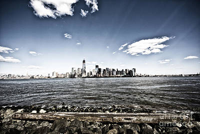 Leda Photograph - Manhattan by Leslie Leda