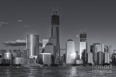 Freedom Tower Photograph - Manhattan Sunset Reflections Iv by Clarence Holmes