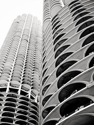 Photograph - Marina City by Laura Kinker