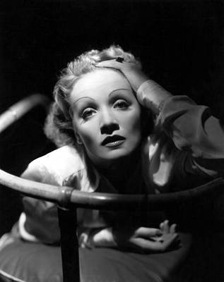 Thin Eyebrows Photograph - Marlene Dietrich, 1930s by Everett