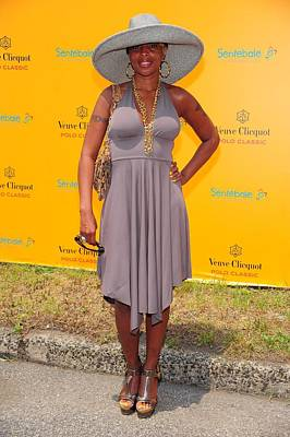 At A Public Appearance Photograph - Mary J. Blige At A Public Appearance by Everett