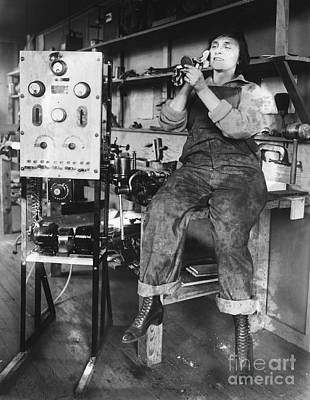 Mary Loomis, Radio School Operator Art Print by Science Source