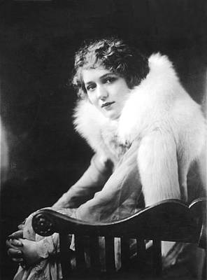 Fur Stole Photograph - Mary Pickford, 1918 by Everett