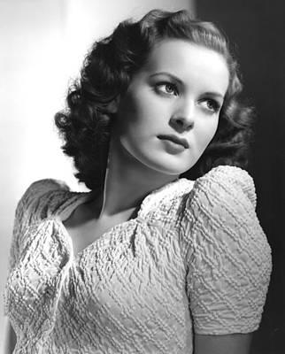 Publicity Shot Photograph - Maureen Ohara, 1940 by Everett