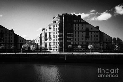 mavisbank apartments on the river clyde Glasgow Scotland UK Art Print by Joe Fox