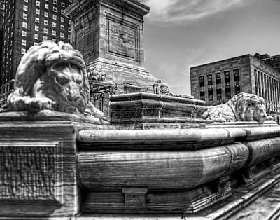 Buffalo City Hall Photograph - Mckinley Memorial In Black And White by Tammy Wetzel