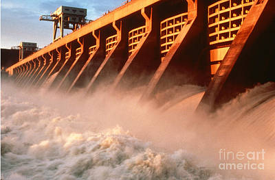 Mcnary Dam Print by DOE/Science Source