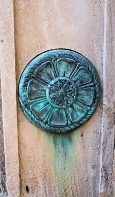 Photograph - Medallion by Lynnette Johns