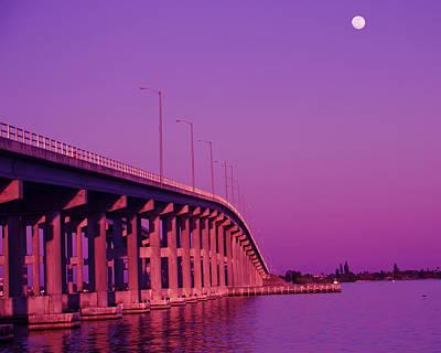 City Scenes - Melbourne Causeway by Roger Wedegis