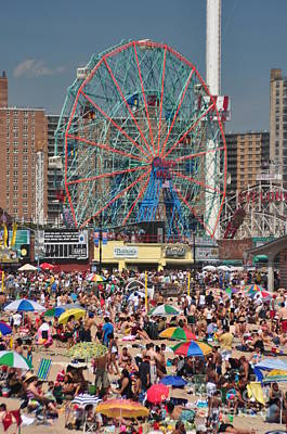 Bklyn Photograph - Memorial Day Weekend by Mark Gilman