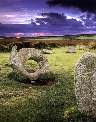 Megalith Photograph - Men-an-tol Standing Stones by Chris Madeley