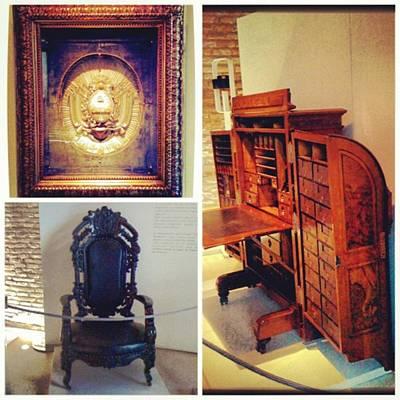 Mi Visita Al Museo Del Bicentenario!! Art Print by Pablo Grippo