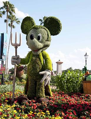 Photograph - Mickeytopiary3606 12 by Charles  Ridgway
