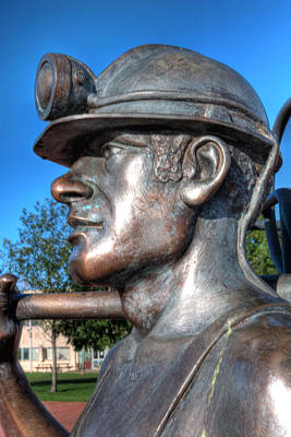 Kim Fearheiley Photography - Miner Statue by Steve Purnell
