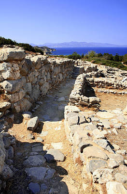 Minoan Photograph - Minoan Lane by Paul Cowan
