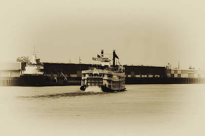 Steamboat Photograph - Mississippi Riverboat - Natchez by Bill Cannon