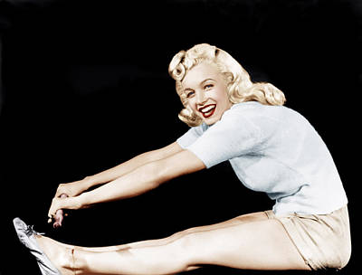 Incol Photograph - Model And Columbia Starlet Marilyn by Everett