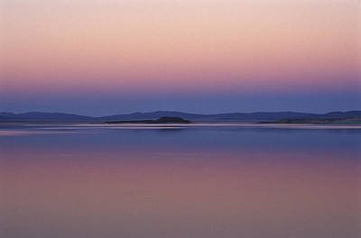 Photograph - Mono Lk Islands At Sunset by Joe  Palermo