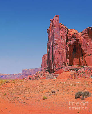 Monument Valley Elrphant Butte And Hogan Print by Rich Walter