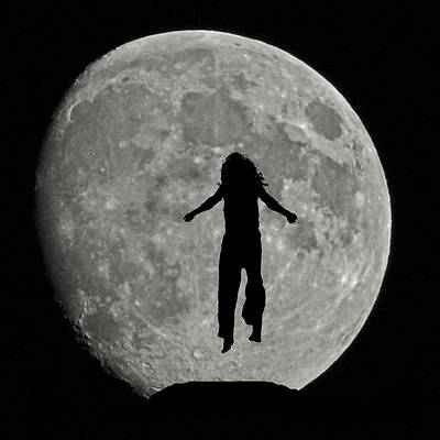 Photograph - Moon Child by Ernie Echols
