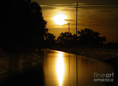 Photograph - Moon River by Peter Piatt