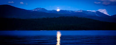 Red Skys Photograph - Moonrise At Priest Lake by David Patterson