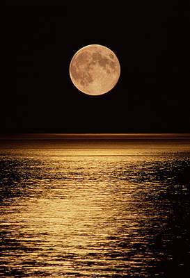 Moonrise Print by David Nunuk