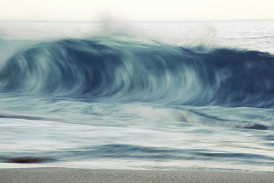 Moring Wave On Oahu Art Print