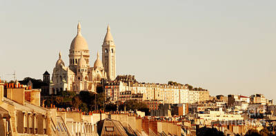 Birds.street Scenes Photograph - Sacre Coeur In A Summer Morning by Ivy Ho