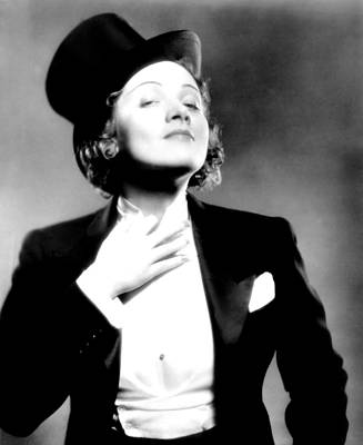 Colbw Photograph - Morocco, Marlene Dietrich, 1930 by Everett