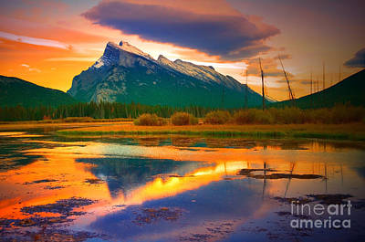 Photograph - Mount Rundle Sundown by Tara Turner