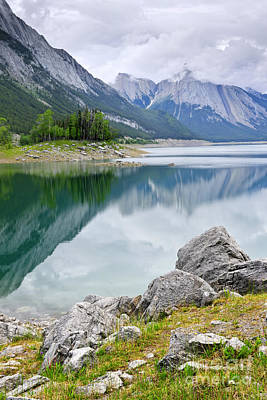Mountain Lake In Jasper National Park Art Print by Elena Elisseeva