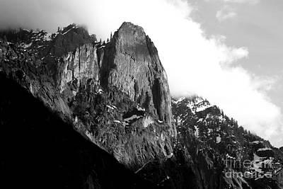 Mountains Of Yosemite . 7d6167 . Black And White Art Print