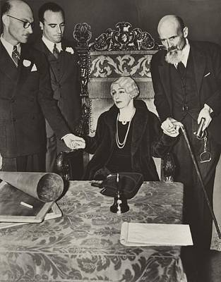 Mrs. Bess Houdini, Widow Of The Great Art Print