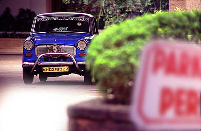 Photograph - Mumbai Taxi by Richard Piper
