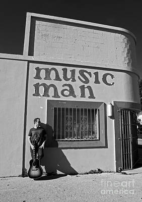 Photograph - Music Man I by Elizabeth Hoskinson