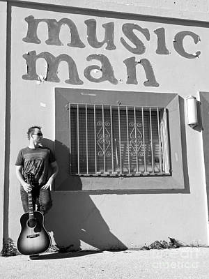 Photograph - Music Man II by Elizabeth Hoskinson