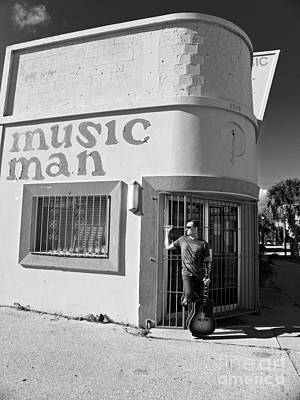 Photograph - Music Man Iv by Elizabeth Hoskinson