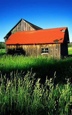 Red Roof Photograph - Muskoka Barn by John  Bartosik