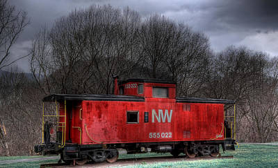Old Caboose Photograph - N W Caboose by Todd Hostetter