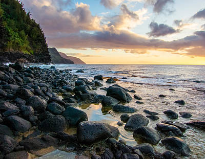 Na Pali Sunset Art Print by Adam Pender